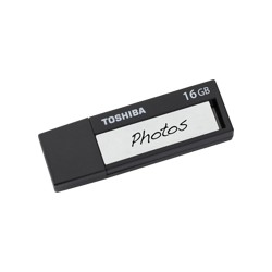 TOSHIBA 16GB USB 3.0 FLASH DRIVE NEGRO